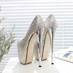 Pumps Extremos color Plateado